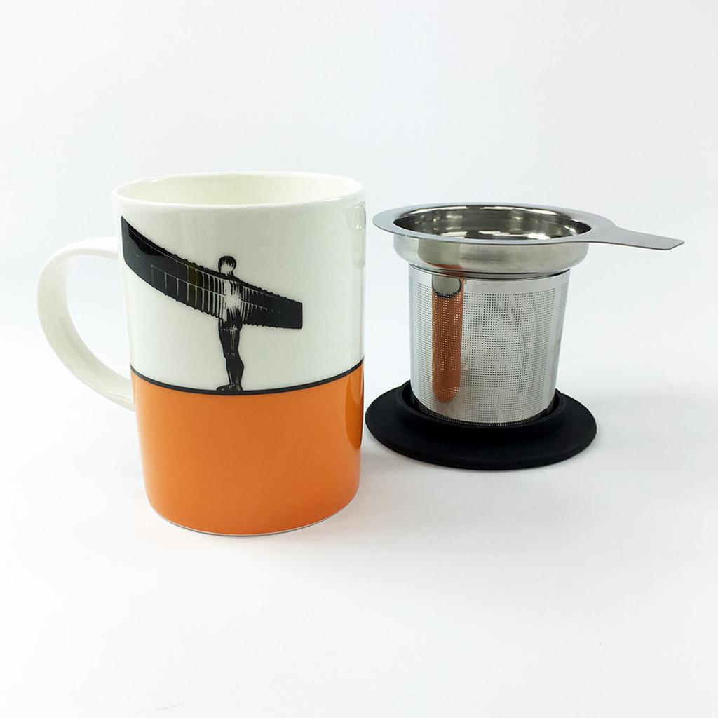 Angel of the North mug and tea filter