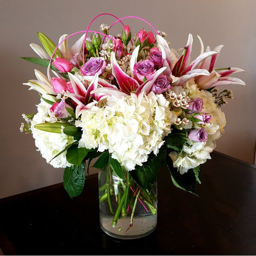 Queen's Dream Romance & Anniversary Midwood Flower Shop   Charlotte Florist Delivery Service