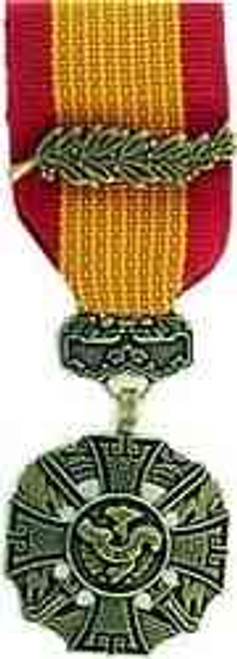 republic vietnam gallantry cross mini medal