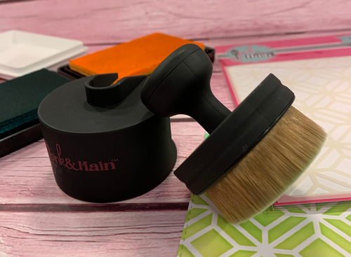 Pink and Main Ergonomic Blending Brush
