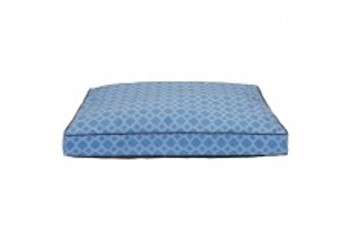 This 27x34 inch Gusseted bed features a Faux Linen Print with accent piping.  Inside is 100% recycled polyester fiber fill.  Removable cover is Machine washable.