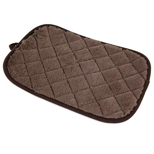 Petmate? Quilted Kennel Mats are specifically designed for use in the car, at home, or inside crates. Comes in a variety of sizes and designed to fit standard wire dog kennels from sizes 19 inches to 48 inches. Petmate Quilted Kennel Mats bring comfort to your pet while being in their kennel when you're away. Designed to keep your pet warm and cozy, the sleep surface is made up of a super-soft quilted plush fabric. A non-skid bottom helps keep the mat in place. Whether you are crate training or on the go, the convenient, lightweight design of the Quilted Kennel Mats makes them easy to roll up for travel. For easy cleaning, they are Machine Washable. Compatible kennel sizes and mats are as follows: XS = 19 inch kennels, S = 24 inch kennels, M = 30 inch kennels, L = 36 inch kennels, XL = 40 inch kennels, Giant = 48 inch kennels. Dimensions: 17.5 X 11.5