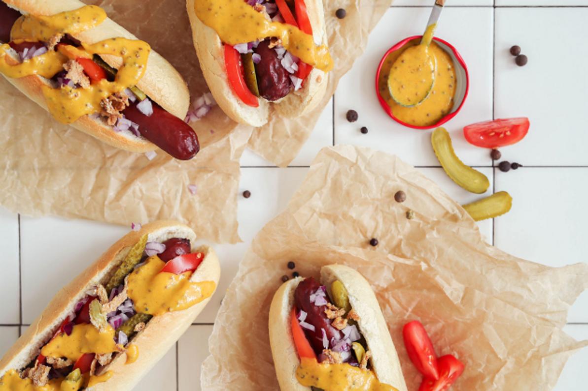 Como preparar cachorro-quente brasileiro nos Estados Unidos