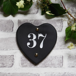 Slate Heart House Number - Traditional Font
