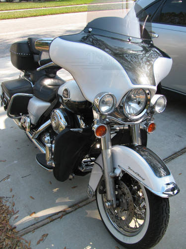 """Black Gelcoat Batwing GPS Fairing with 6""""x 9"""" Speakers and Stereo Harley Davidson Road King Standard"""