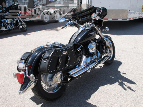 """Black Paint Batwing GPS Fairing with 6""""x 9"""" Speakers and Stereo Yamaha V-star Classic / Silverado 1998-2013"""
