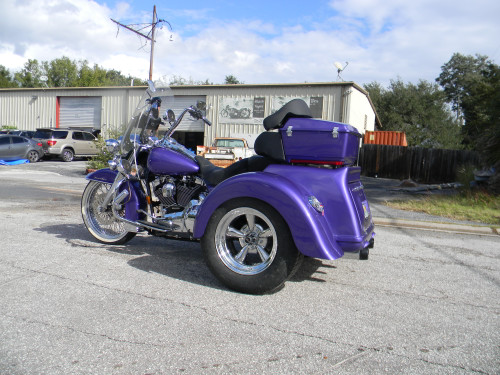 Independent suspension Trike Conversion Kit for Harley - with Fiberglass Body Side View