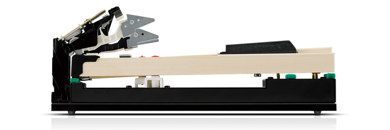 Solid wooden keys CA79 utilises Kawai's latest Grand Feel III wooden-key keyboard action, which draws upon 90 years of acoustic piano craftsmanship to provide an exceptionally realistic playing experience.