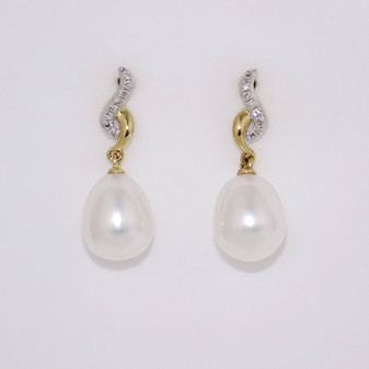 9ct Yellow Gold Pearl & Diamond Earrings  ER11251