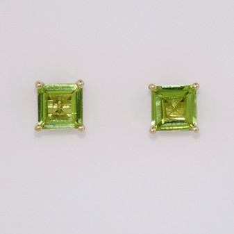 9ct yellow gold peridot stud earrings ER11308