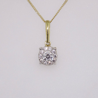 "9ct yellow gold cz cluster endant on 9ct yellow gold 18"" fine curb chain"