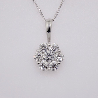 18ct white gold diamond cluster pendant PE5021