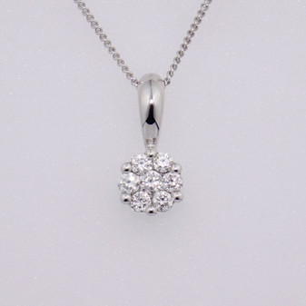 9ct white gold diamond cluster pendant PE5252