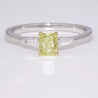 18ct white gold yellow diamond ring