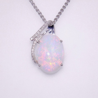 18ct white gold opal and diamond pendant PE5110