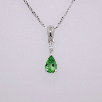 18ct white gold tsavorite and diamond pendant PE4481