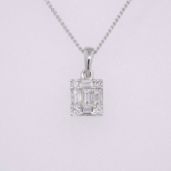 9ct white gold diamond cluster pendant PE5254