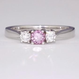 18ct white gold three stone diamond ring GR3048