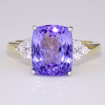 18ct gold tanzanite and diamond ring GR4147