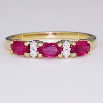 18ct yellow gold ruby and diamond ring ET1442