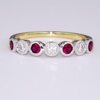 18ct gold ruby and diamond ring ET1308