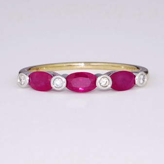 9ct gold ruby and diamond ring ET1311