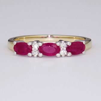 9ct gold ruby and diamond ring ET1410