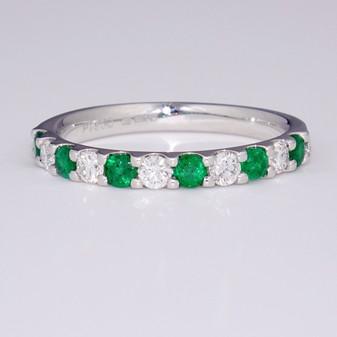 Platinum emerald and diamond ring ET1408