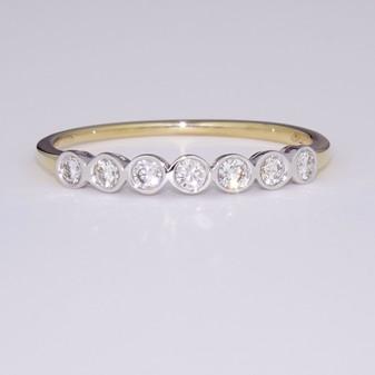 9ct gold seven diamond ring ET1299