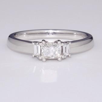 Platinum diamond trilogy ring GR2893