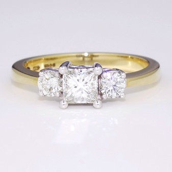 18ct gold diamond triology ring GR2742