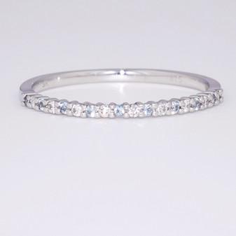 9ct white gold blue topaz and diamond ring ET1374