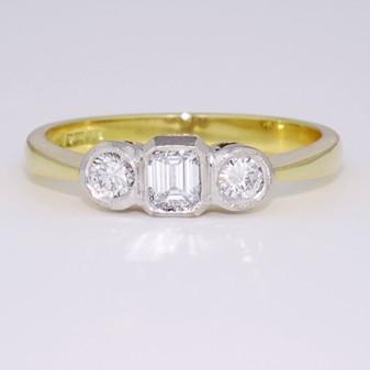 18ct gold diamond trilogy ring GR1955