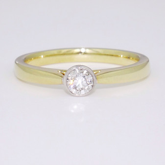 9ct gold diamond solitaire ring GR5205