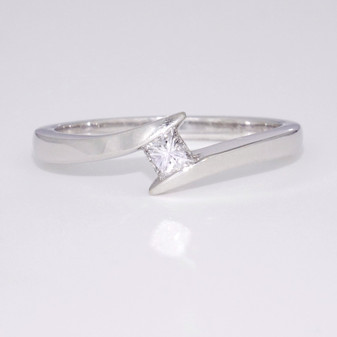 9ct white gold princess cut diamond solitaire ring GR3622