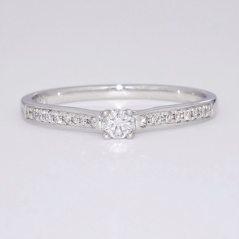 9ct white gold diamond solitaire ring with diamond-set shoulders GR3916