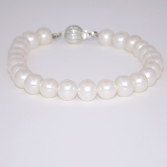 Cultured freshwater pearl bracelet with silver clasp CFWP619