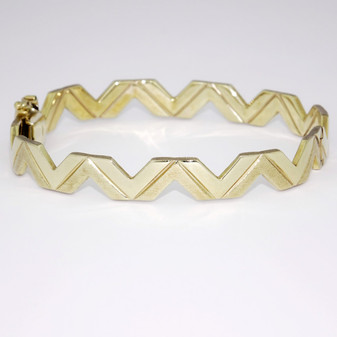 9ct yellow gold zigzag bangle BA768