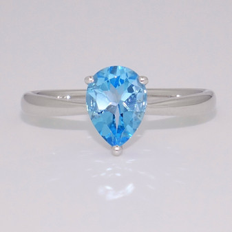 9ct white gold pear cut blue topaz ring