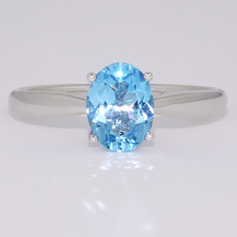 9ct white gold oval cut blue topaz ring