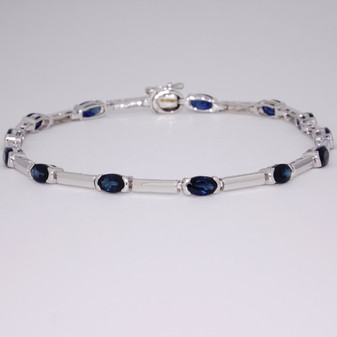 9ct white gold oval sapphire bracelet