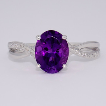 9ct white gold oval cut amethyst and diamond ring
