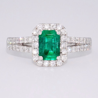 18ct white gold emerald and diamond cluster ring