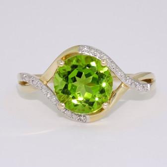 9ct gold peridot and diamond twist ring