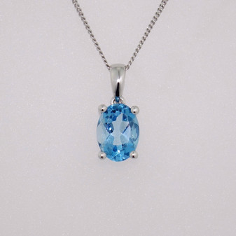 9ct white gold oval cut blue topaz pendant