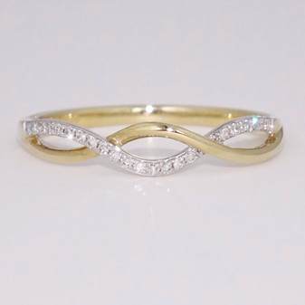 9ct gold open weave diamond ring