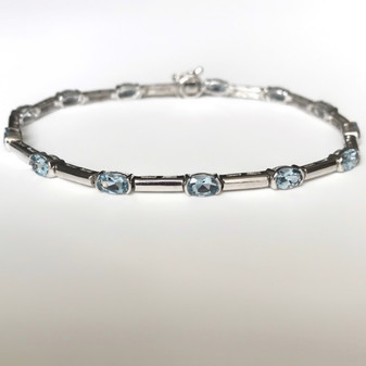 9ct white gold aquamarine bracelet