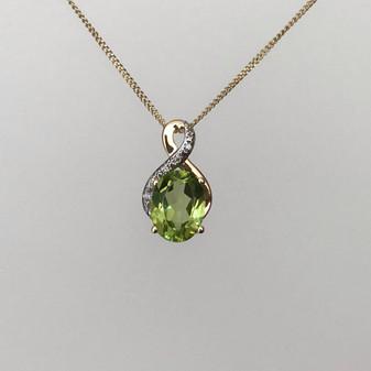 9ct gold peridot and diamond necklace