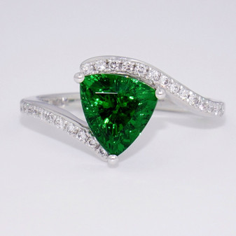 18ct white gold tsavorite garnet and diamond twist ring