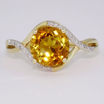 9ct gold citrine and diamond ring GR5814